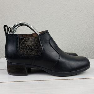 Dansko LOLA leather side zip ankle booties
